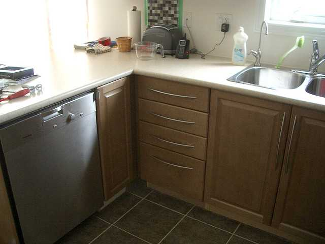 The challenge, install new dishwasher so it looks like this!