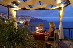 hotel THE CLIFF BAY   romantic dinner